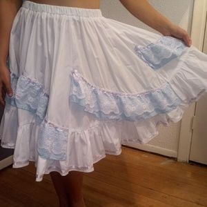Vintage Handmade Skirts - White/Blue Large Cowgirl/Western Tiered Skirt